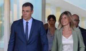 Pedro Sánchez y begoña González